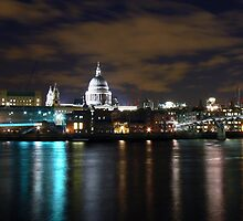 St Paul's Cathedral by Ian Jones