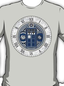 TARDIS and Clock - Doctor Who T-Shirt