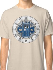 TARDIS and Clock - Doctor Who Classic T-Shirt