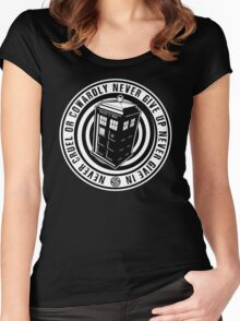 Never Cruel Or Cowardly - Doctor Who - Black TARDIS Women's Fitted Scoop T-Shirt