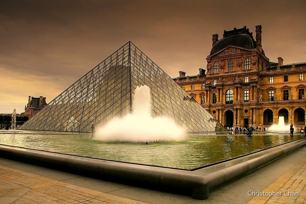 Musée du Louvre by Christopher Chan