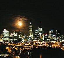 perth moon rise by dodgsun