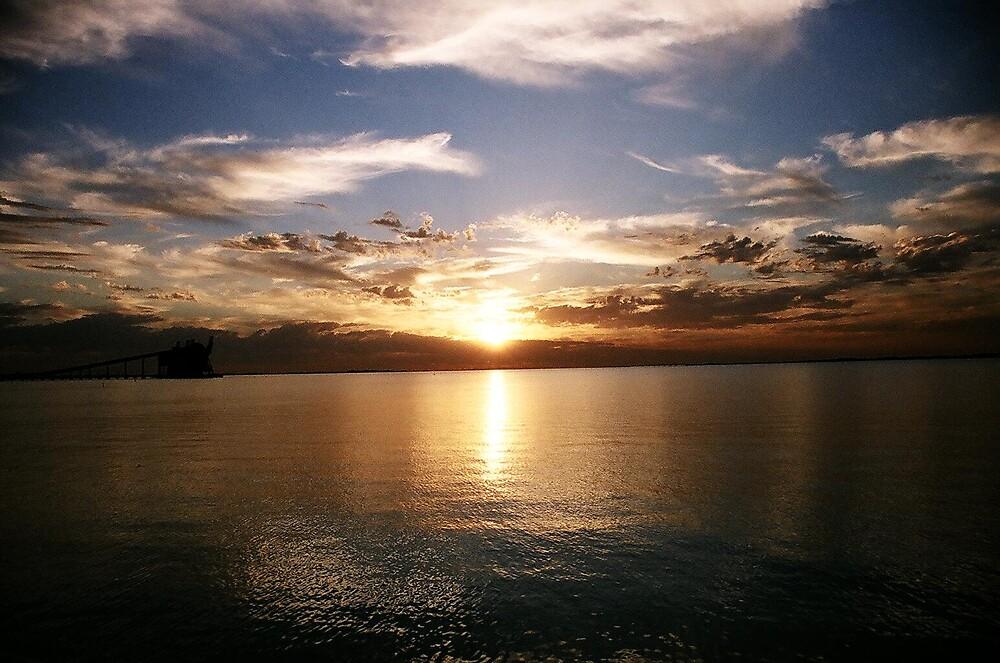 sunset from Kwinana beach by dodgsun