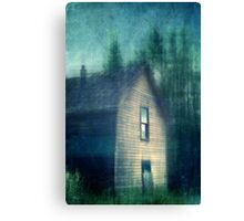Hauntend by the past Canvas Print