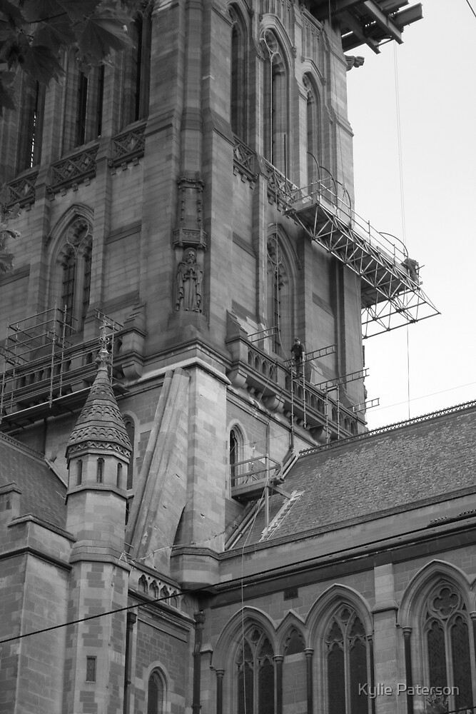 Building works on St Pauls Cathedral by Kylie Paterson