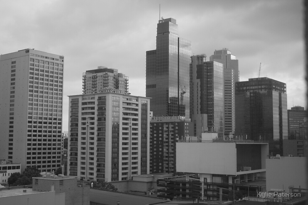 Melbourne Skyline. Black and White by Kylie Paterson