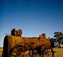 traction engine by moonlight by richocam