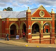 Omeo Post Office by Darren Stones