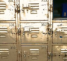 lockers old school old skool  by beachfires