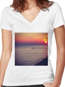 Ocean Sunset Women's Fitted V-Neck T-Shirt