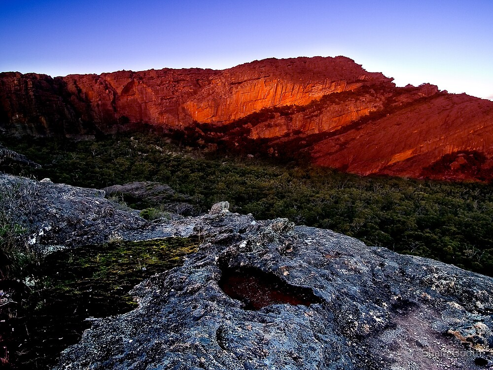 Mt Staplton - The Grampians by ShaneBooth