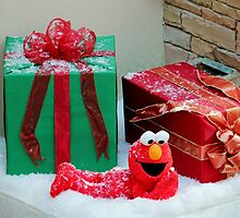 Elmo With Presents by Cynthia48