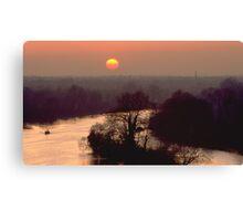 Thames sunset Canvas Print