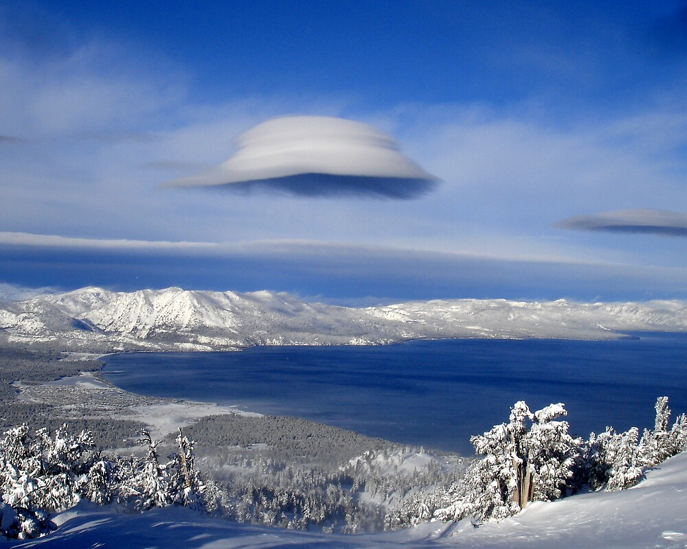 space ship cloud over tahoe by Hawk