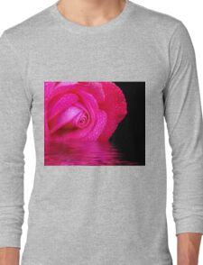 Rose reflected in water Long Sleeve T-Shirt