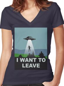 I want to leave Women's Fitted V-Neck T-Shirt