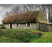 Old tatched Irish country famine cottage Photographic Print