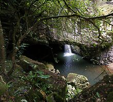 Natural Arch, Queensland by Ozmoe