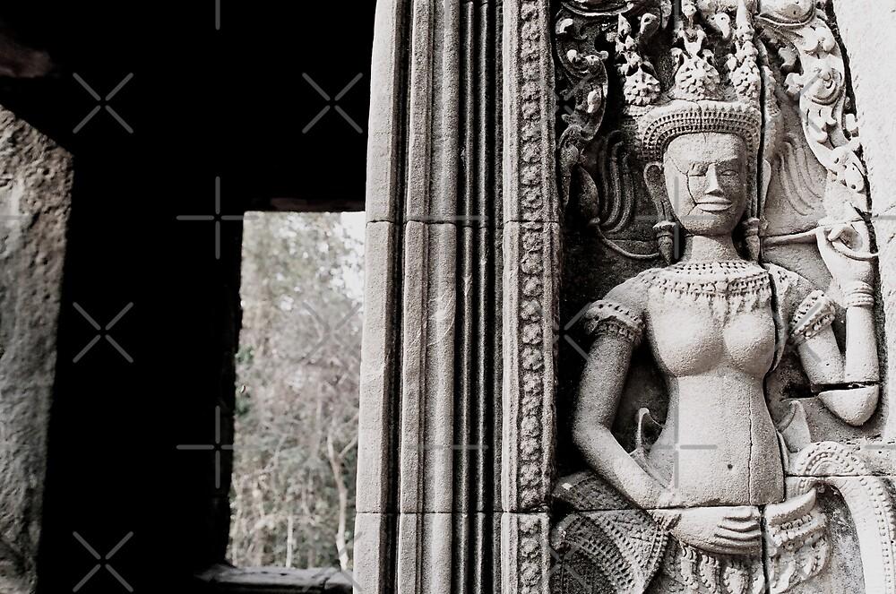 temple goddess by ali guida
