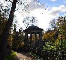 St Bernard's Well by Pete Johnston