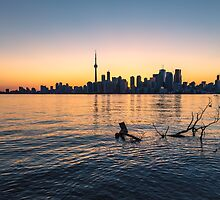 TORONTO 08 by Tom Uhlenberg