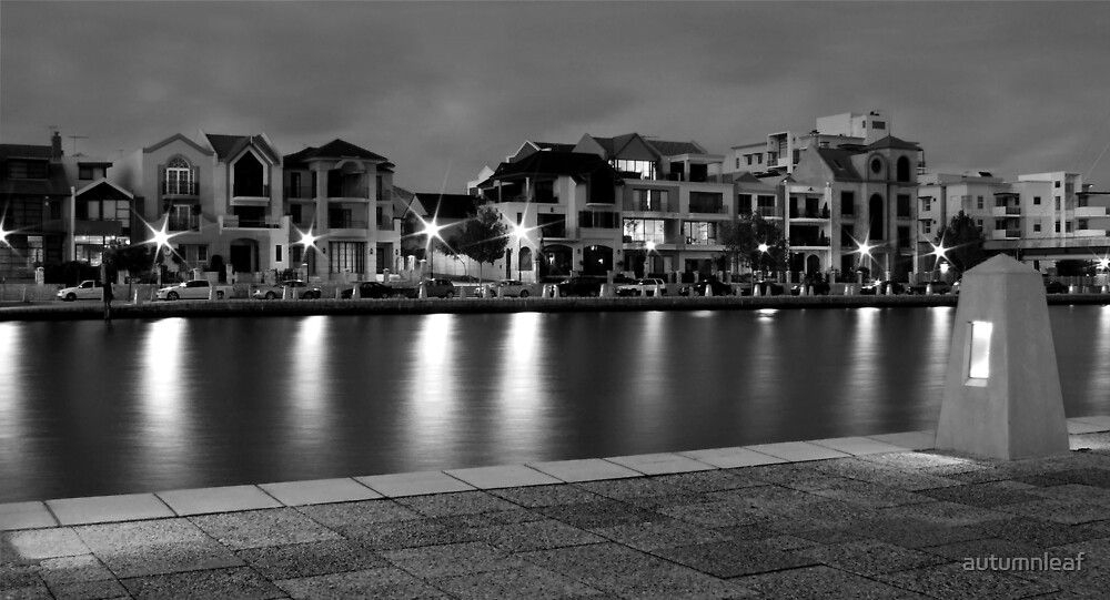 Waterfront at Dusk by autumnleaf