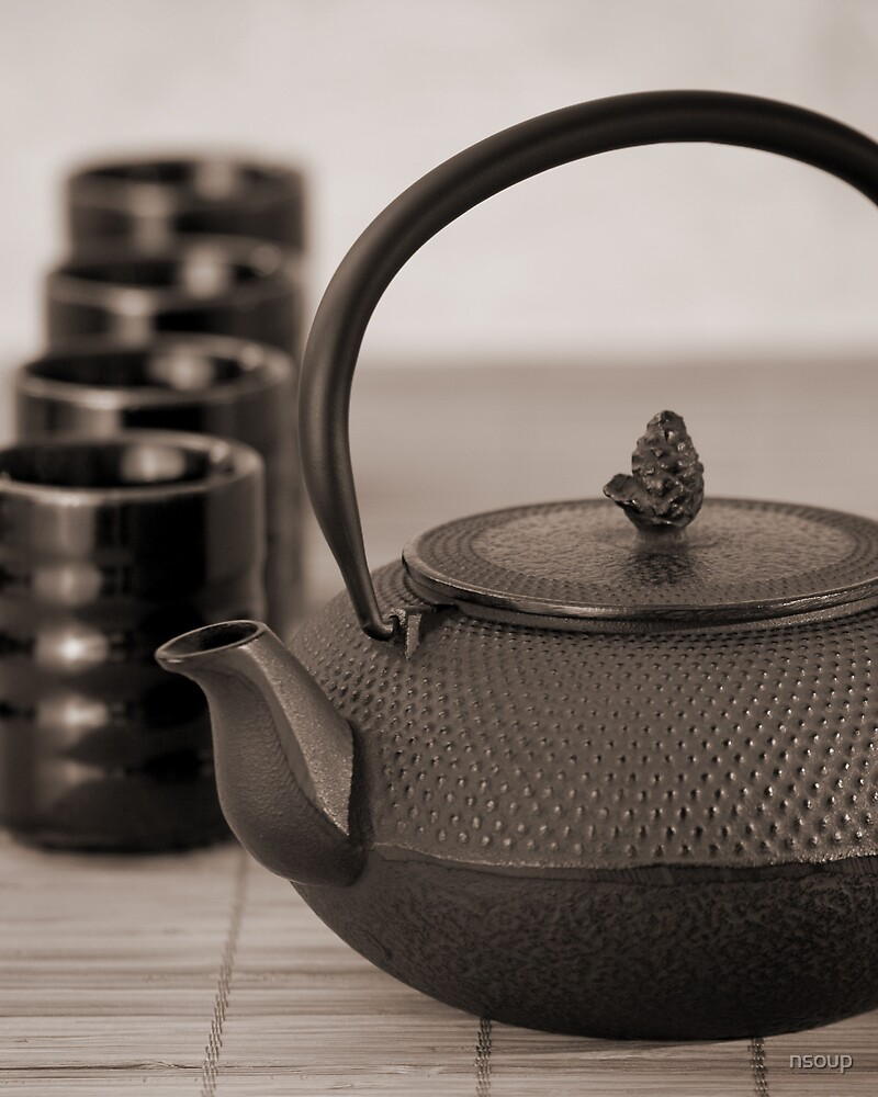 Still life with Teapot by nsoup