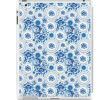 Vintage Seamless pattern with blue flowers and leaves  iPad Case/Skin