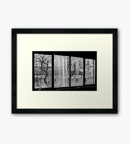 Ausblick in eine andere Welt Framed Print
