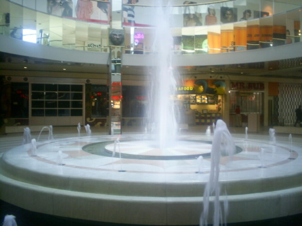 huge waterfountains by oilersfan11