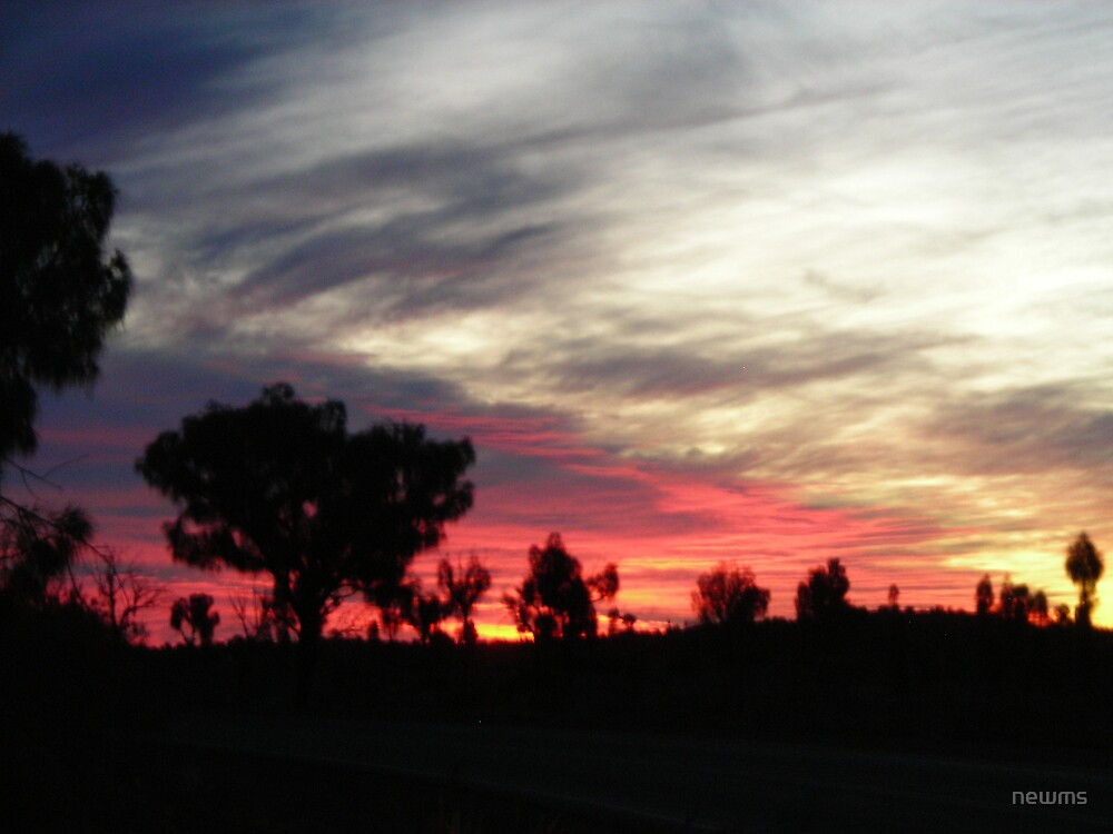 desert sundown in Yulara by newms