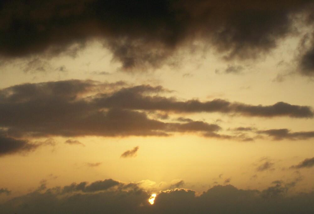 Sun in sky by Sam Everitt