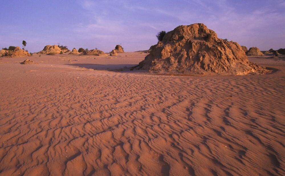 Mungo Mound by daveoh