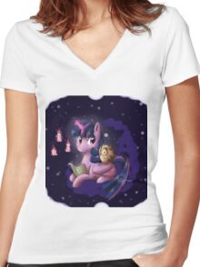 Reading with Twilight Women's Fitted V-Neck T-Shirt