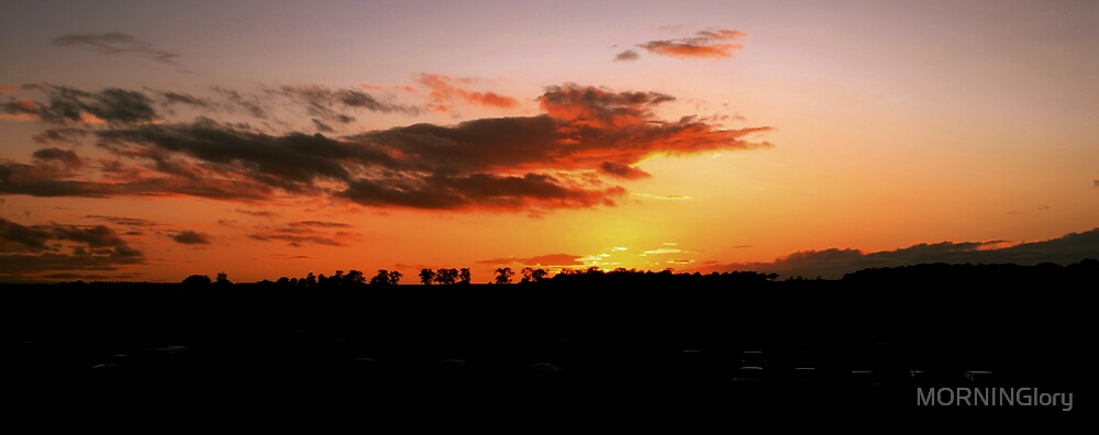 The Sun Setting in the South by MORNINGlory