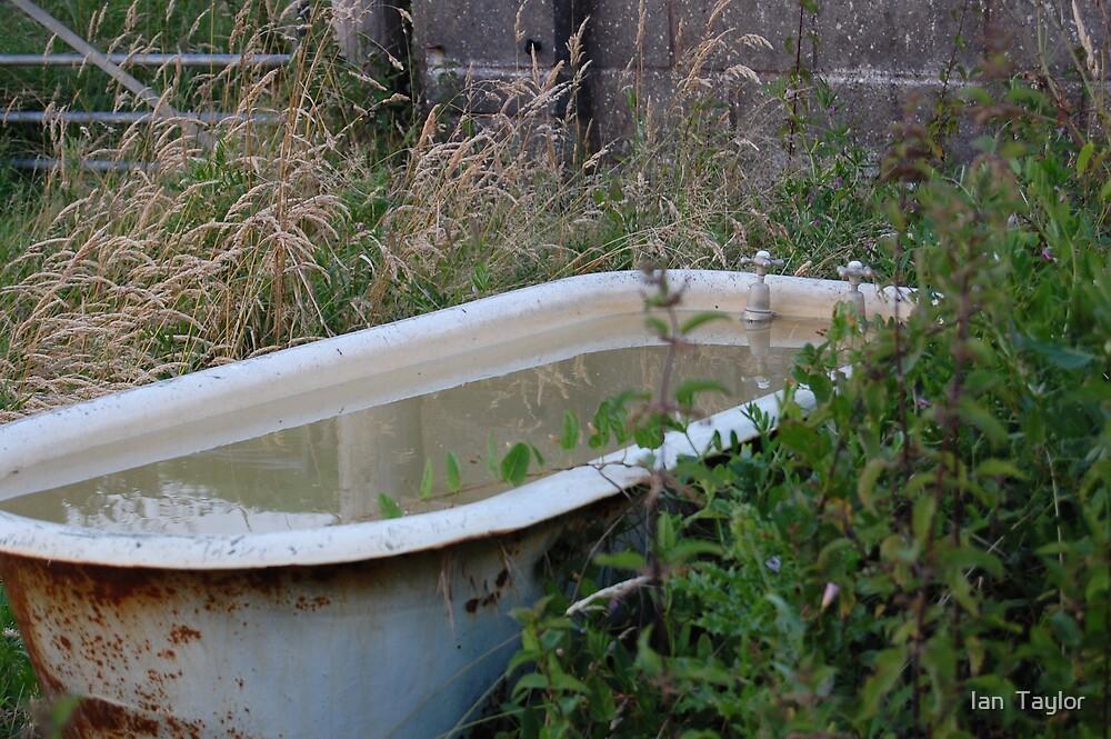 lonely bathtub by Ian  Taylor