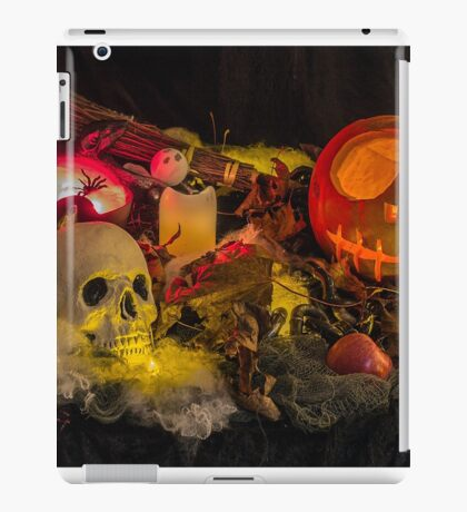 Trick or Treat ? iPad Case/Skin