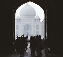 Heading to the Taj Mahal by ichilana