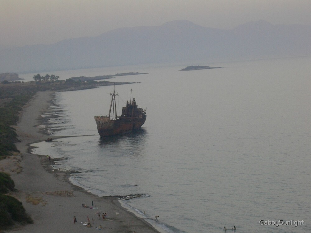 Shipwreck by GabbySunlight