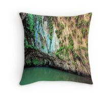 The Grotto, Hamersley Gorge, Karijini NP Throw Pillow