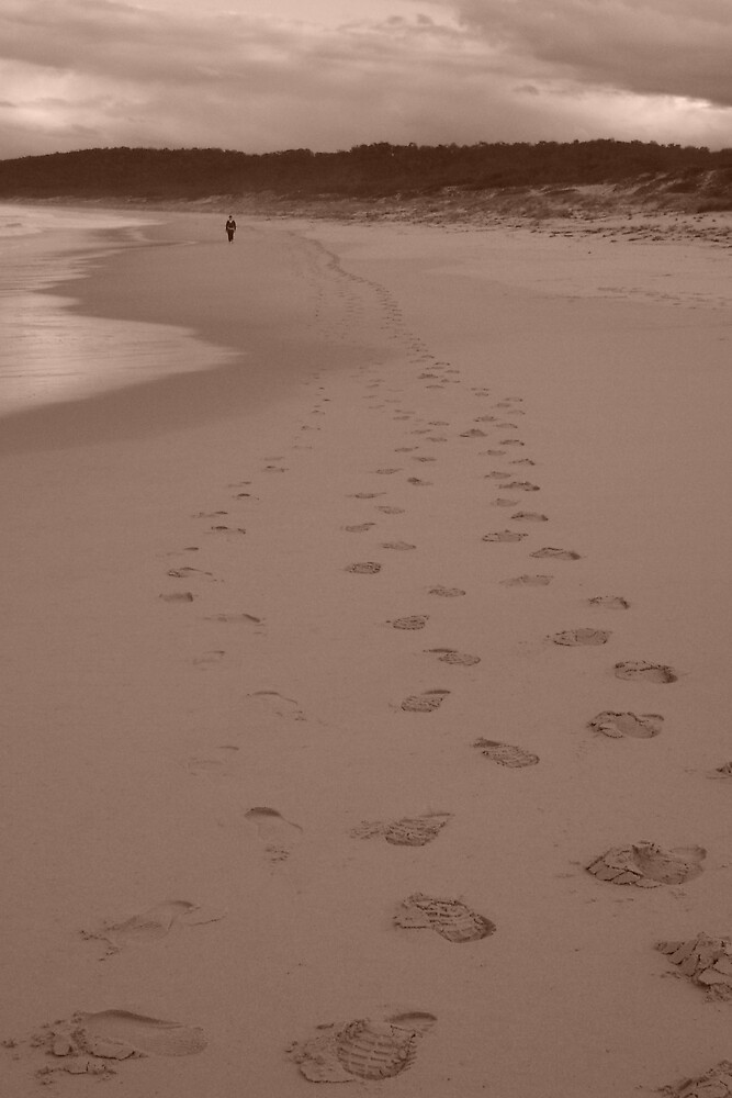 Footprints by lewylizard