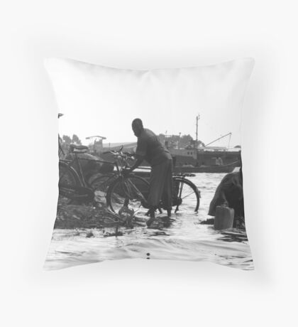 Shore of Lake Victoria Throw Pillow