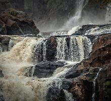 Iguaza Falls - Over the Rocks by photograham