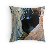 Spa Pool, Hamersley Gorge, Karijini NP Throw Pillow