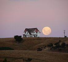 Big ol' house and big ol' moon by Brenda Anderson