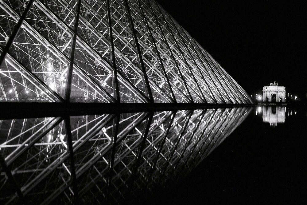 Louvre Art Gallery, Paris by JennyTakesPhotos