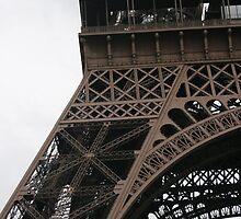Left Side of the Eiffel by kphoto14