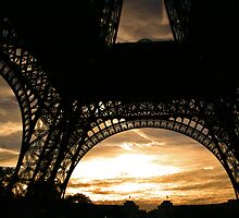 Eiffel Tower Sunset by Hudson Lofchie