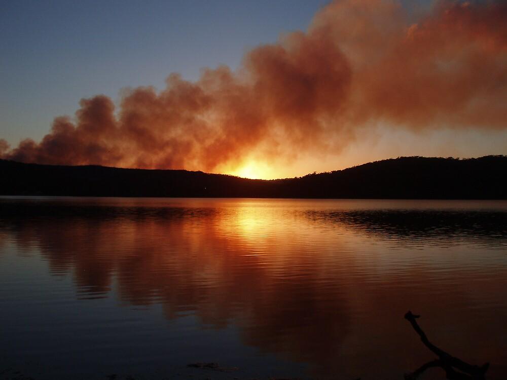 Narrabeen Bushfire mirror by andoindy