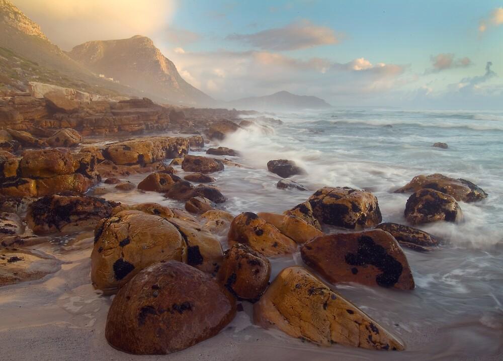 Misty cliffs, Cape Town by hjo52